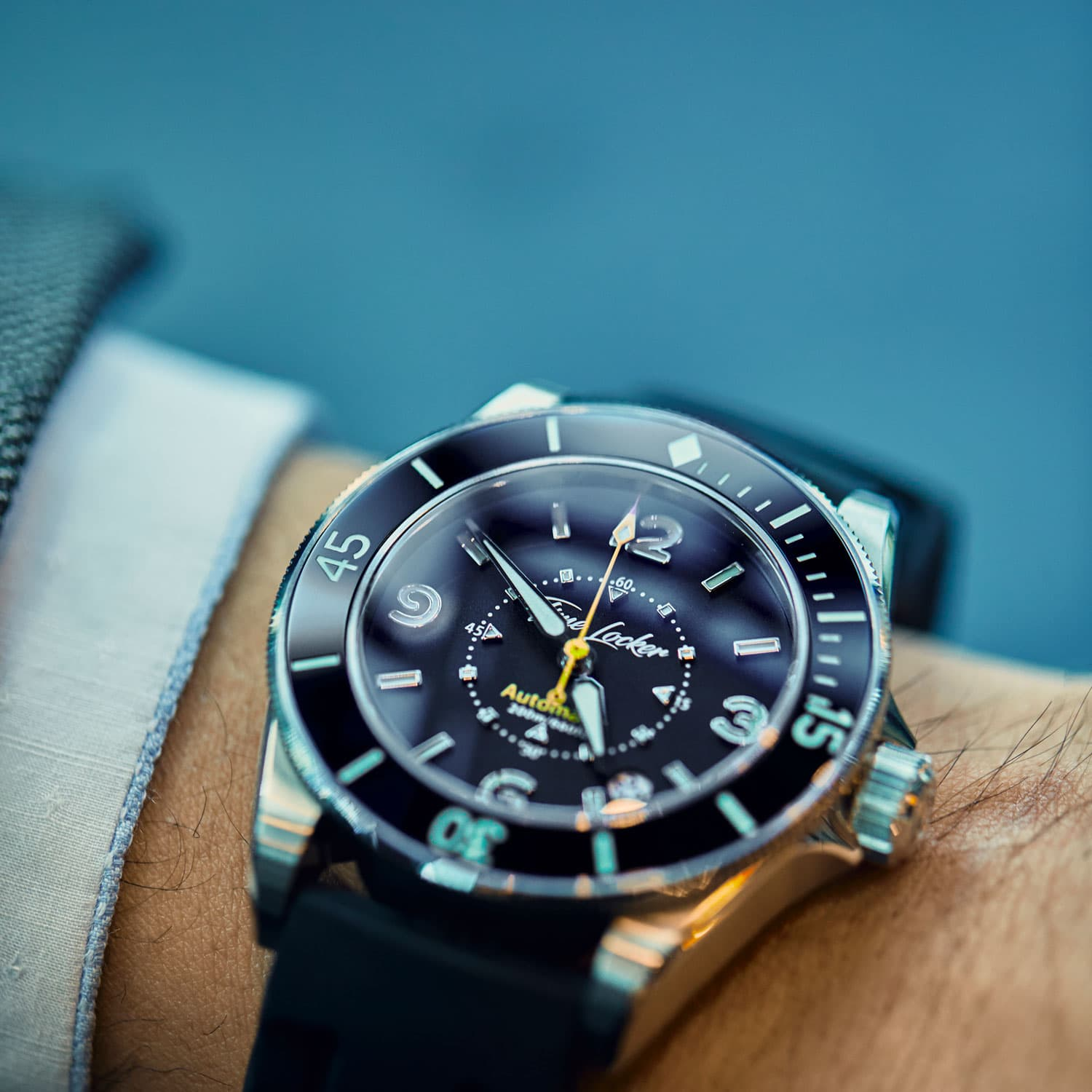 Kickstarter dive watch for men