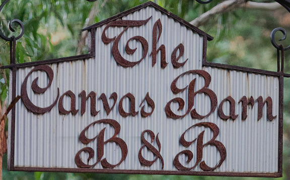 Canvas Barn BNB.png