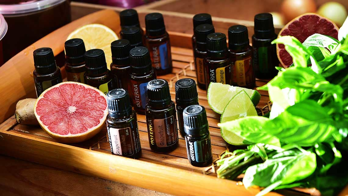 car-aromatherapy-essential-oils-(5).jpg
