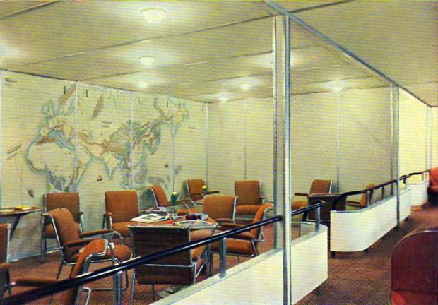 hindenberg-color-lounge-2.jpg
