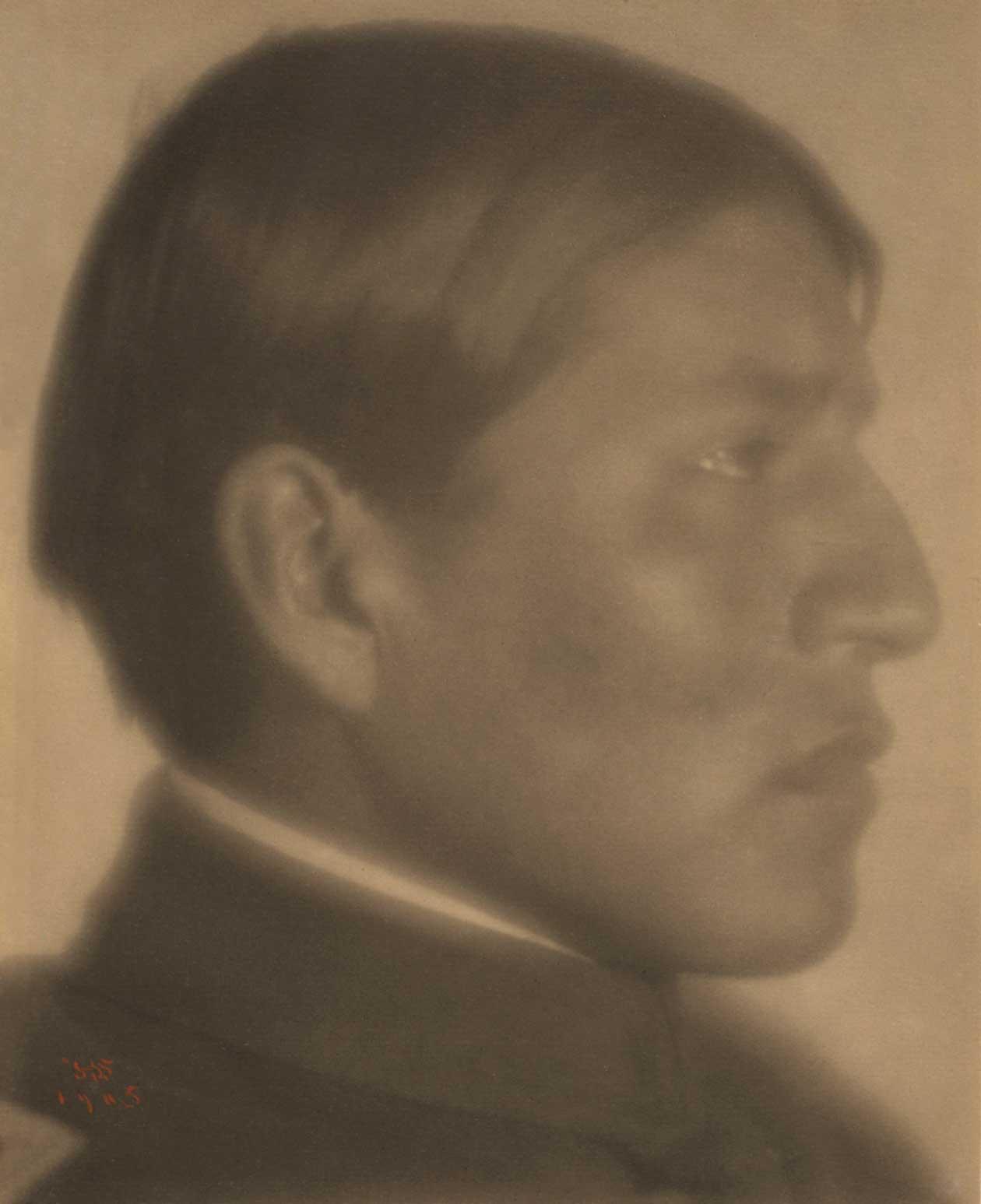 1905: Luke Lowdog