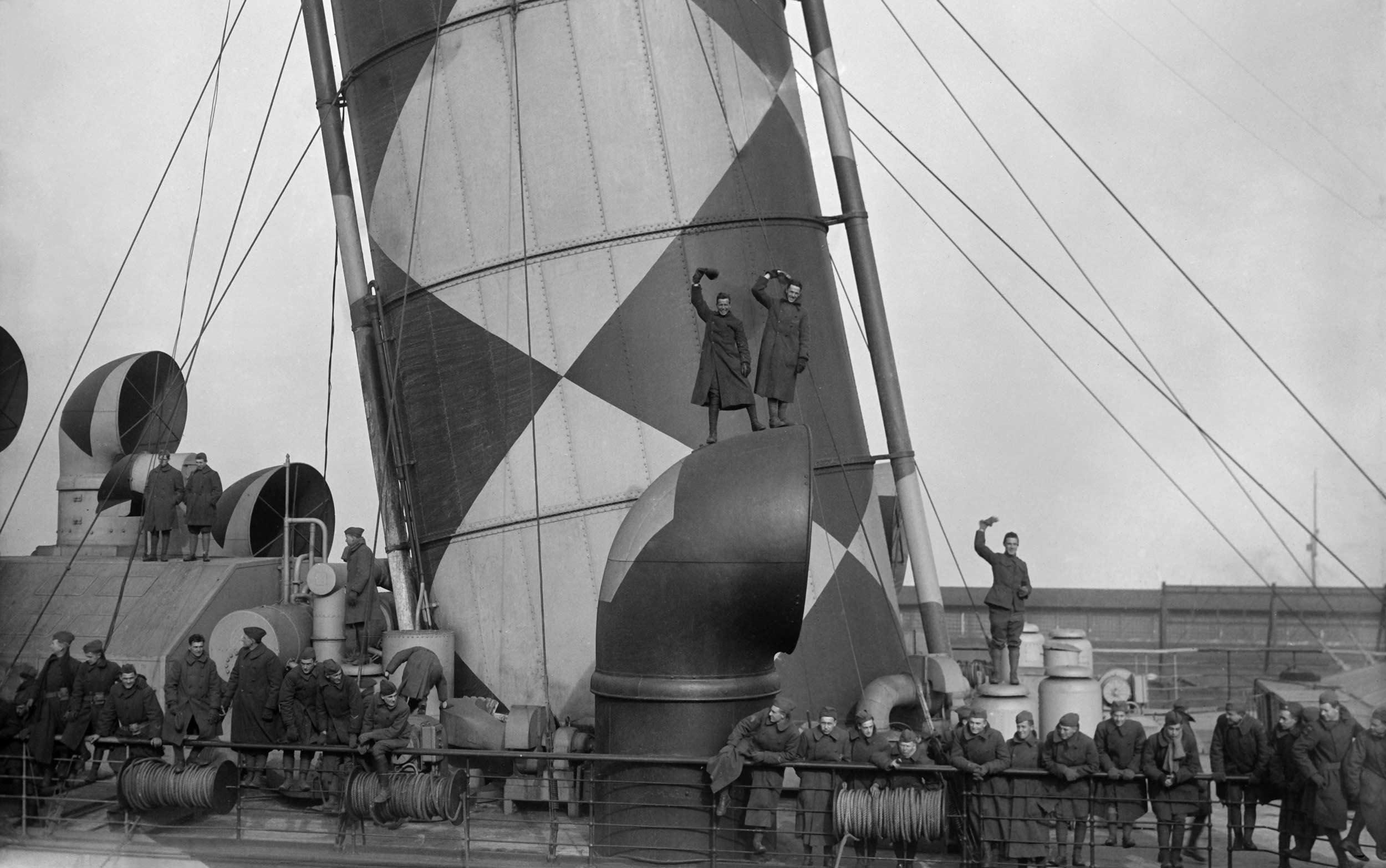 dazzle-ship-mauretania-5.jpg