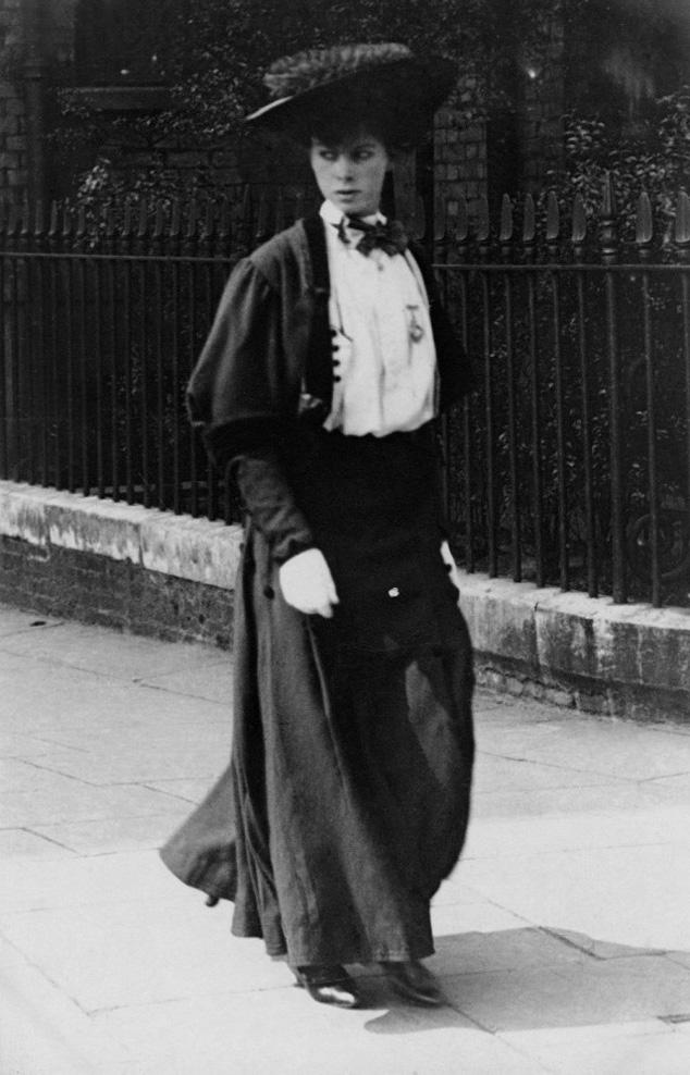 1906: Cromwell Road, Kensington