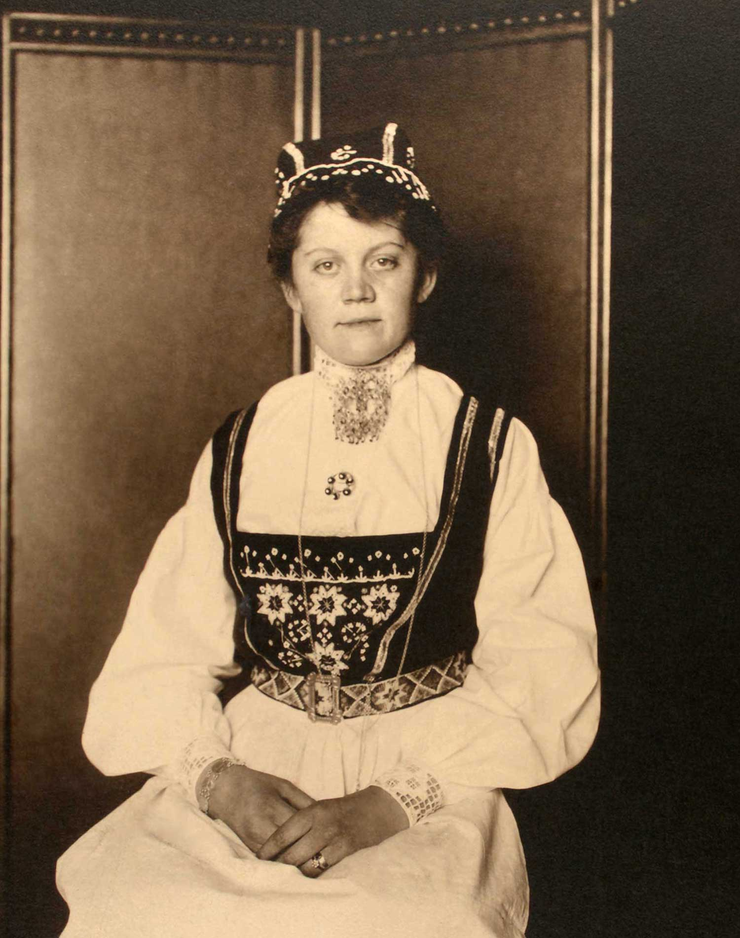 'Norwegian woman' (c. 1910)