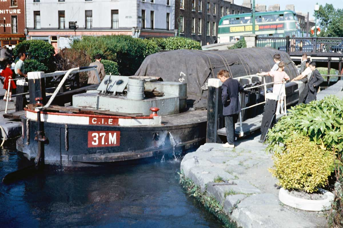 1959: C.I.E. Barge 37.M at Portobello