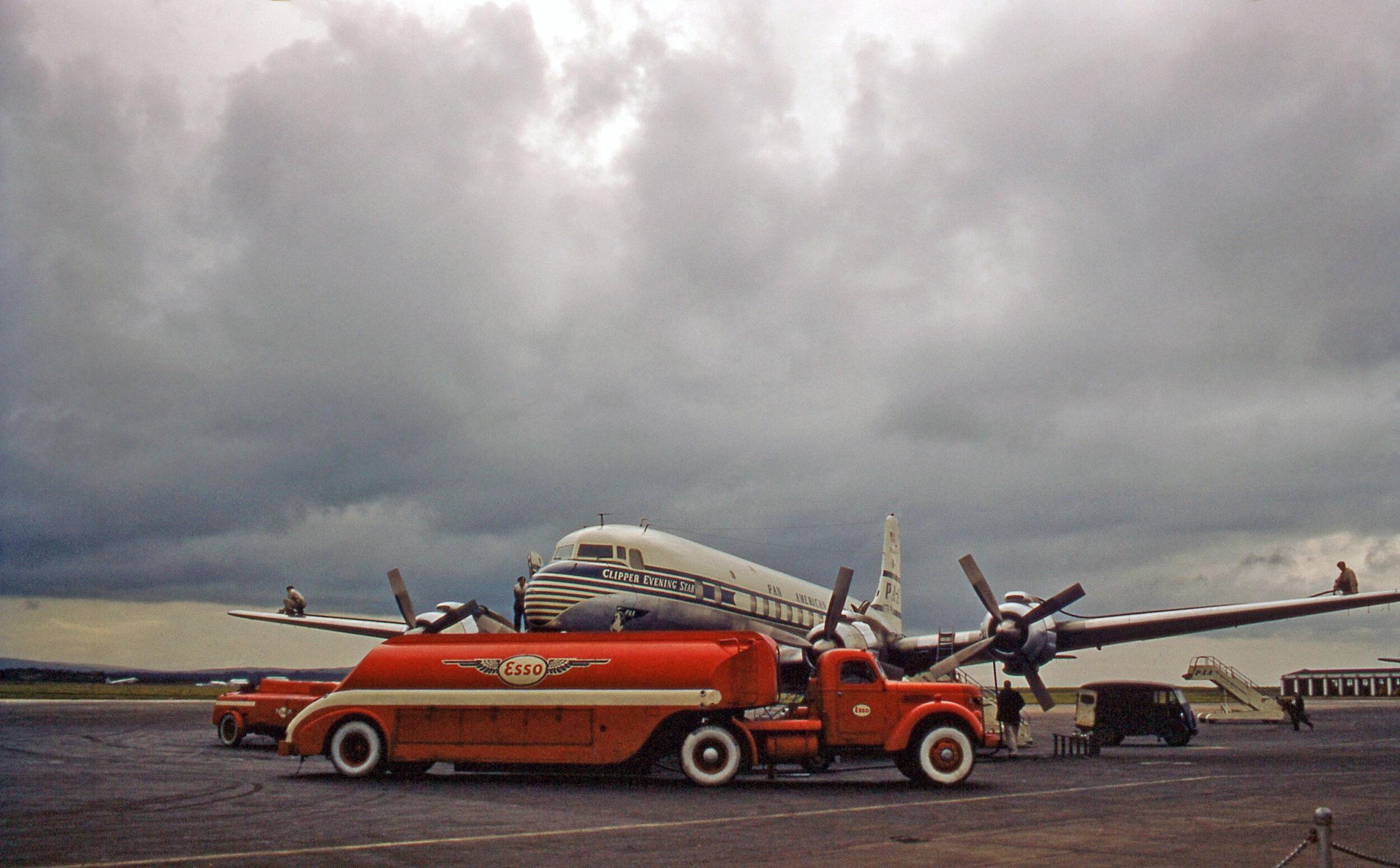 lj-ireland-shannon-airport-pan-am-DC4.jpg