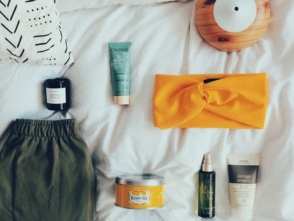 FEEL GOOD GADGETS - OUR ME-TIME ESSENTIALS.