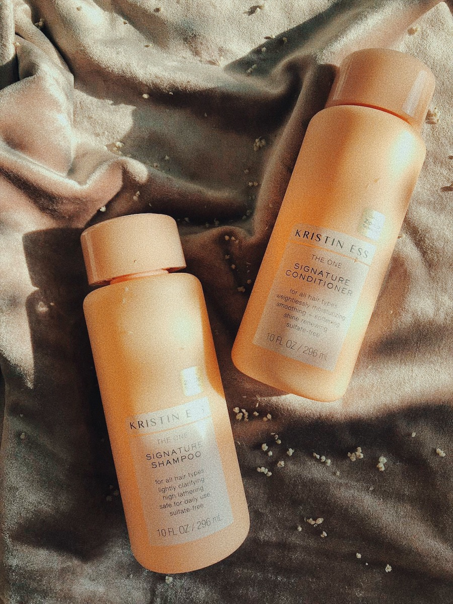 OMG - I AM SUPER OBSESSED SINCE I TRIED KRISTEN'S ROSE GOLD TINT FOR MY HAIR (WE INTRODUCED IN IN OUR WOWS A WHILE BACK) BUT I FINALLY BOUGHT THE   SHAMPOO AND CONDITIONER   AS WELL. IT'S JUST AS AMAZING! A REALLY LOVELY PRODUCT WITH A GORGEOUS BUT SUBTLE SCENT AND BEAUTIFUL PACKAGING. A WIN-WIN-WIN! - T