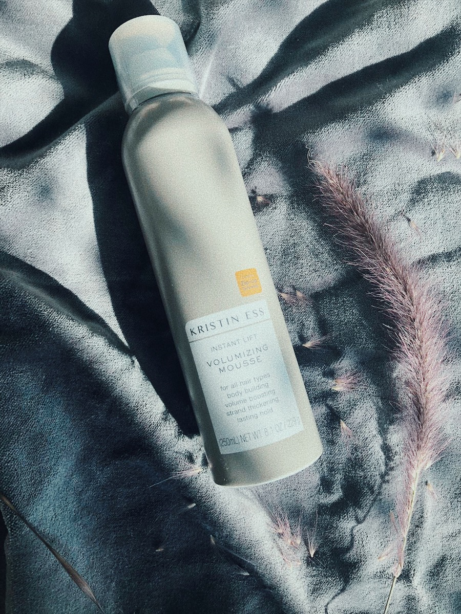 WELL, WHAT'S MORE TO SAY EXCEPT THIS  VOLUMIZING MOUSSE IS ALSO A WINNER! I LOVE ME SOME VOLUME BECAUSE MY HAIR IS JUST SUPER THIN BECAUSE OF ME DYING IT FOR YEARS. I CANT BELIEVE THAT THIS MOUSSE IS NOT STICKY AND MAKES THE HAIR WEIRDLY CRUNCHY AND SMEARY. THIS IS JUST EFFORTLESS AND PUMPS YOUR HAIR UP.