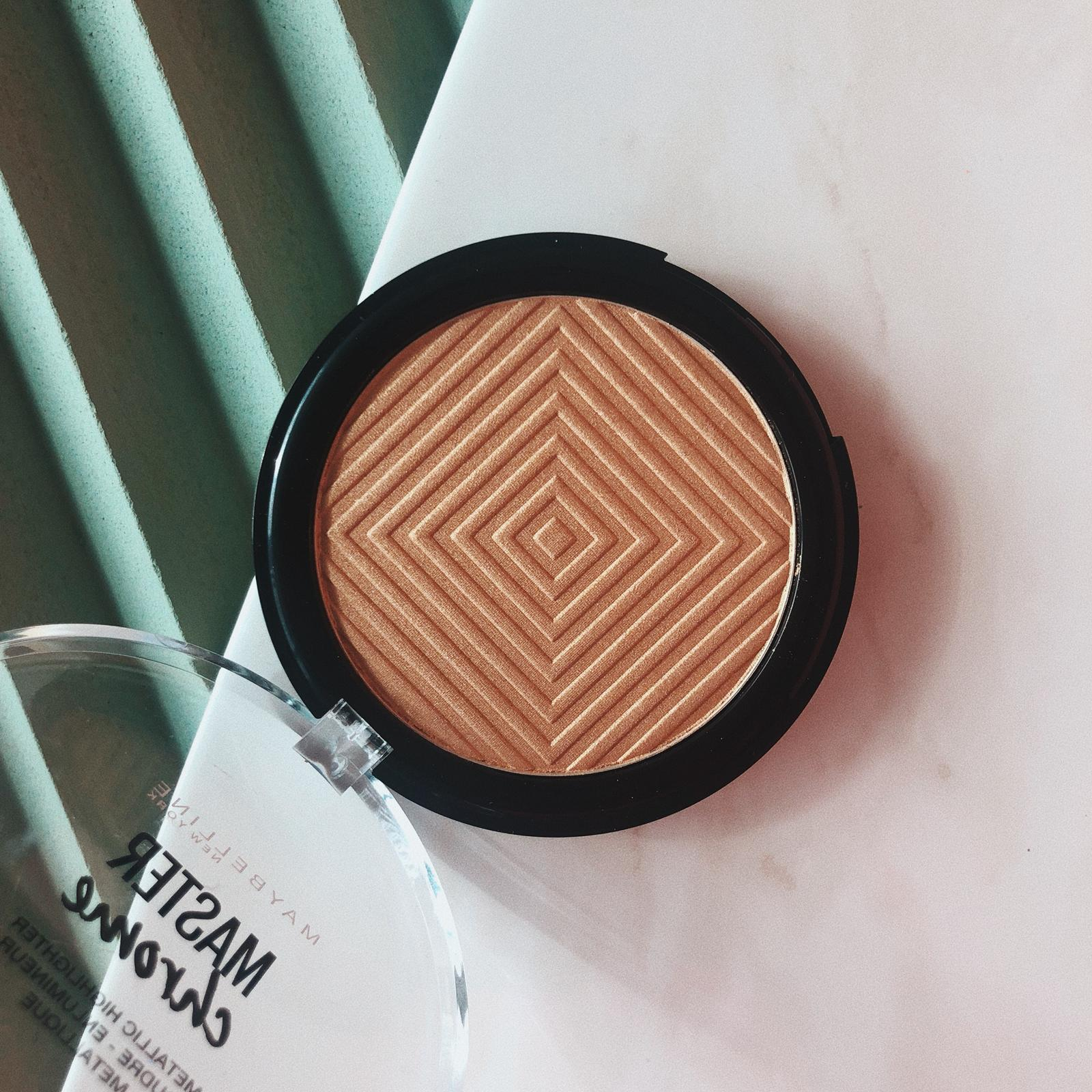 THE   MAYBELLINE MASTER CHROME   IN MOLTEN GOLD IS HANDS DOWN THE BEST DRUGSTORE HIGHLIGHTER OUT THERE! I PUT IT ON ALL THE HIGHPOINTS OF MY FACE AND WOW, IT'S JUST REFLECTING THE LIGHT IN THE MOST BEAUTIFUL WAY - AND YOU SIMPLY CAN'T BEAT THE PRICE FOR THIS TYPE OF QUALITY. - J