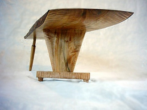 Birch coffee table: detail