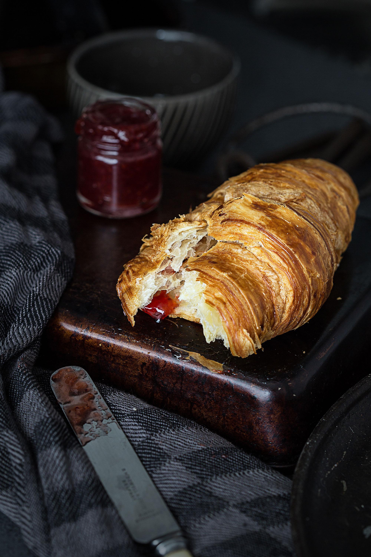 Croissant-and-jam.jpg