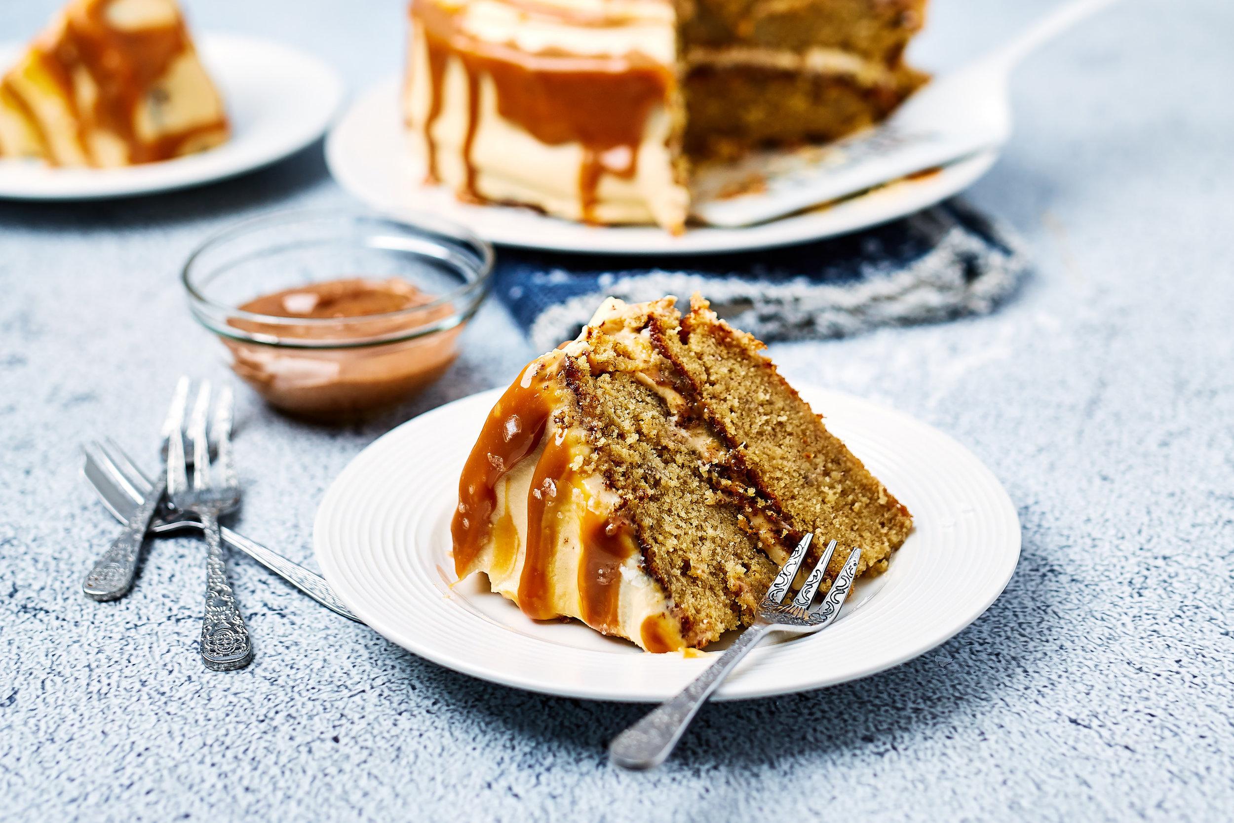 Salted caramel banana cake 002.jpg
