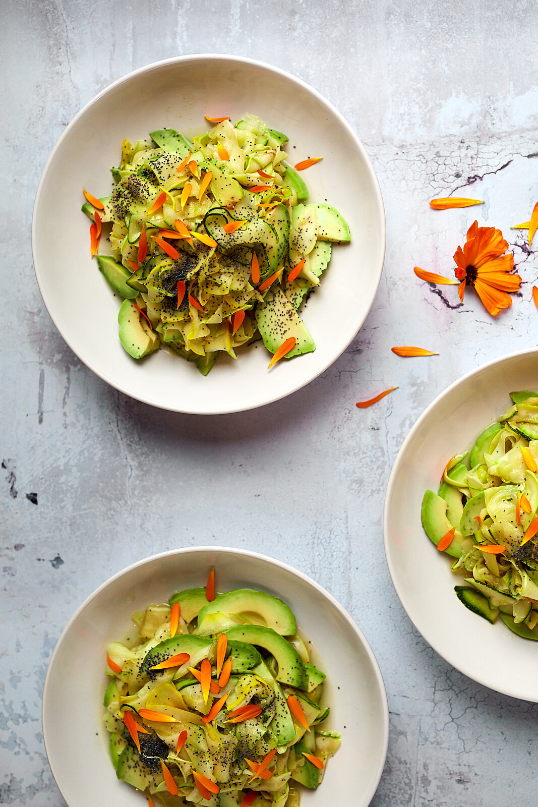 Courgette, avocado and lemon salad with poppyseeds