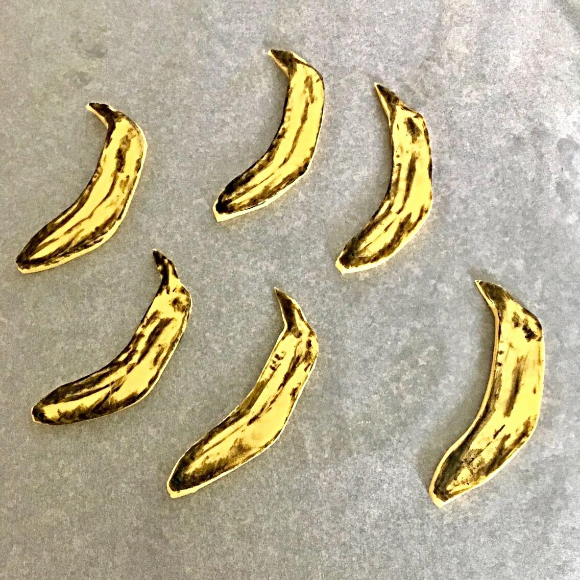 How To Make Pop Art Banana Cupcakes