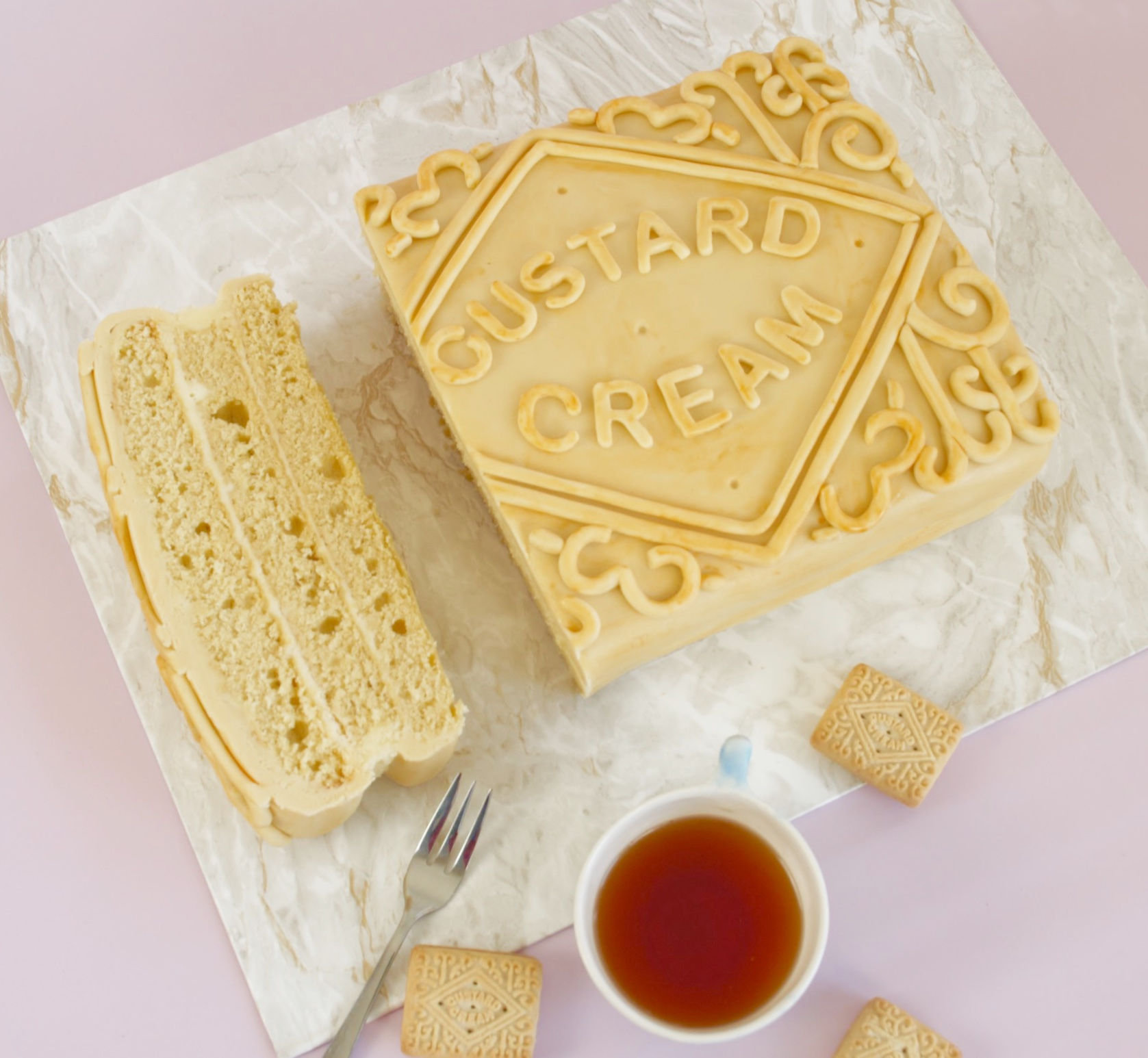 How To Make An Awesome Giant Custard Cream Cake