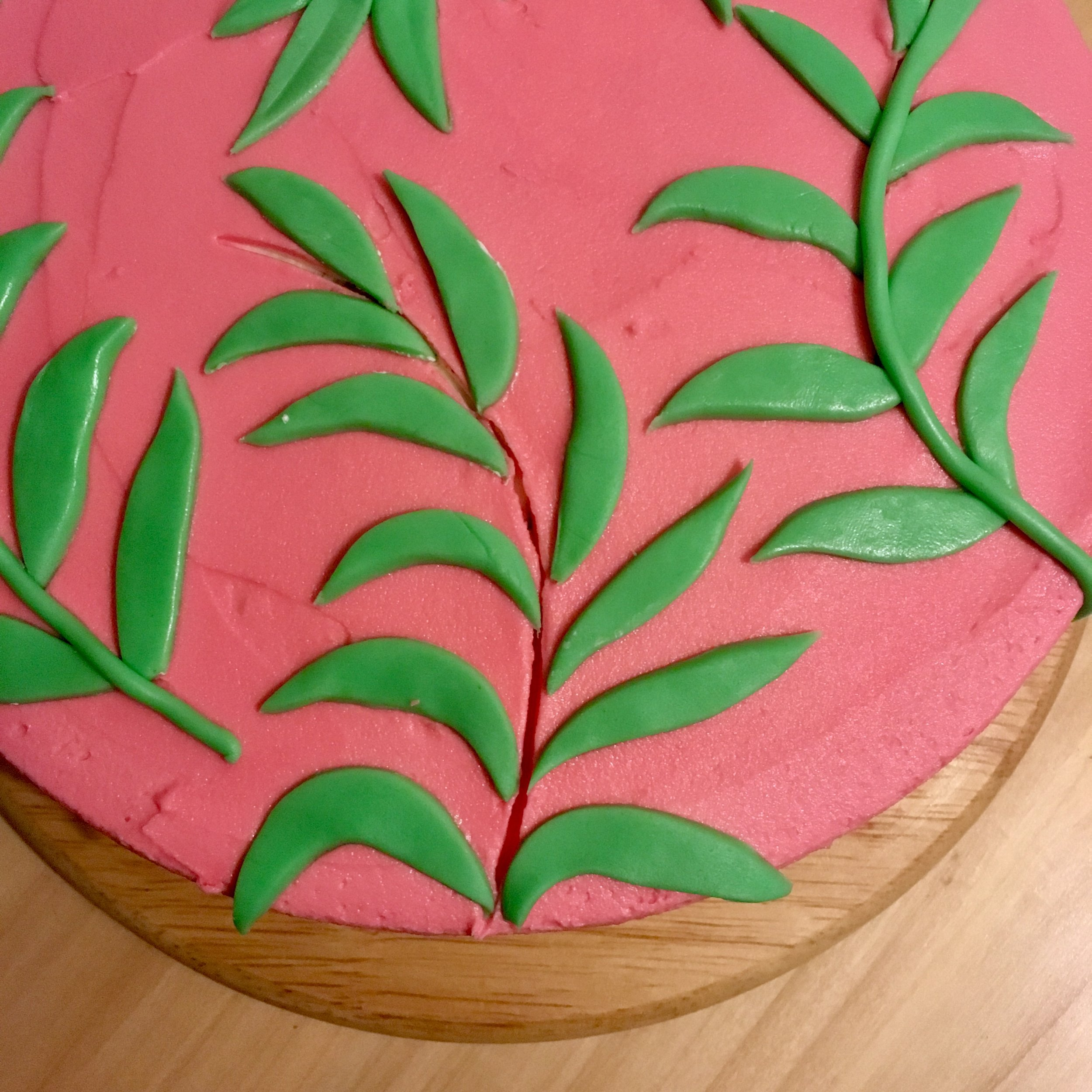 Bang on Trend Leaf Pattern Cake