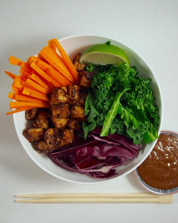 Registered Dietitian Nutritionist recipe for peanut tofu bowls