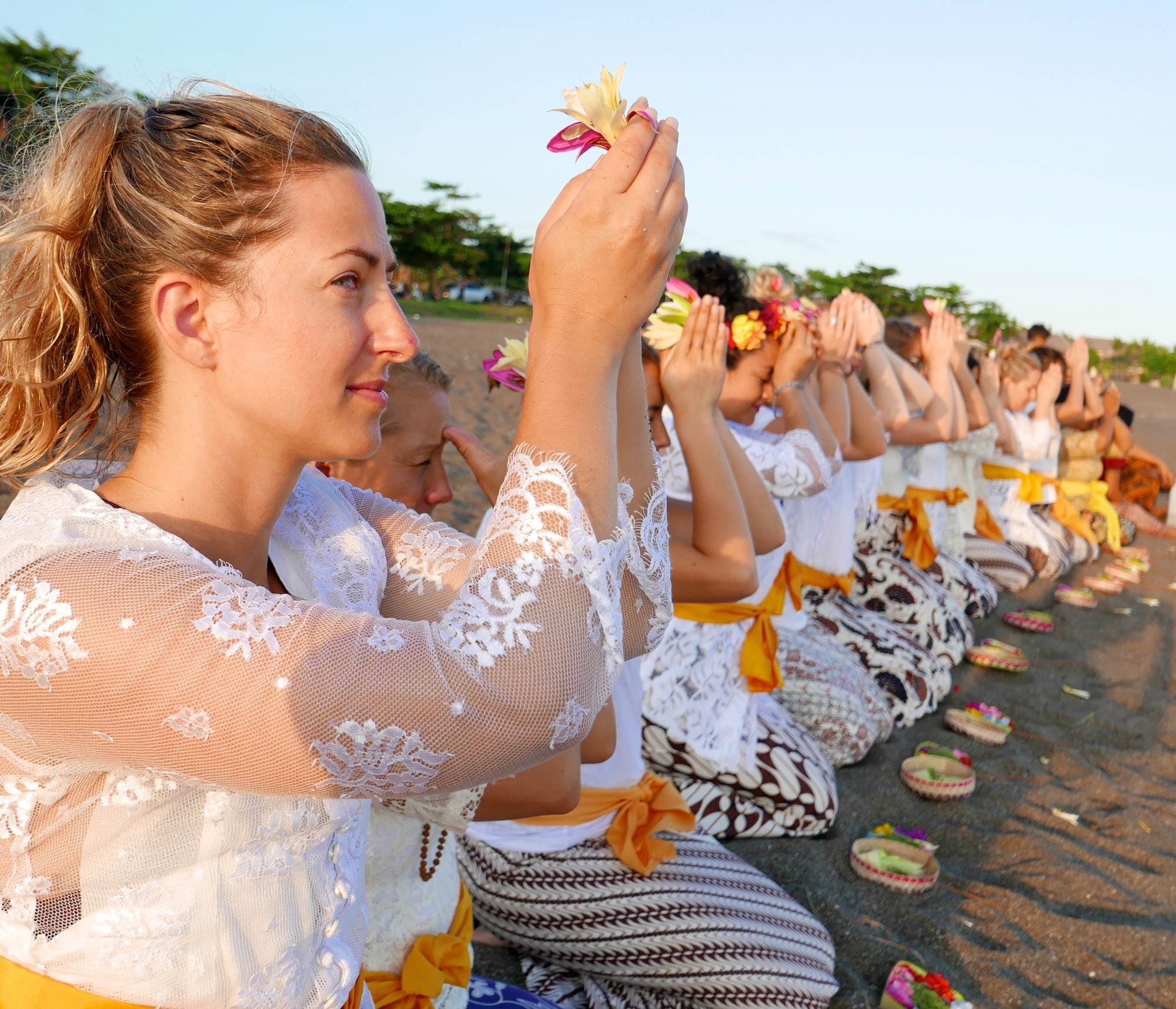 kula-collective-yoga-teacher-training-art-of-living-.jpg