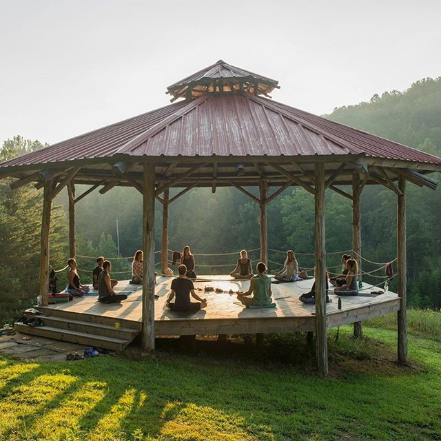 Have you heard about our Module trainings yet!? The next one coming up is our 100hr Empower Module September 10 - 19th at beautiful @sevenspringsretreats in Tennessee! 💚 These 100hr modules can be taken in one of three ways: 1. Independently as a beautiful immersive retreat to deepen your practice through exploring and empowering yourself 2. Independently as a continuing education course to satisfy yoga alliance requirements or to deepen your teaching. 3. As part of our 300hr YTT Module track - you get to take three of these 10 day trainings at your own pace to earn your advanced YTT! Go AND grow with the flow! 💚 To learn more check out our stories! 💚 📸: by @alexmarkow and @bsfreenick