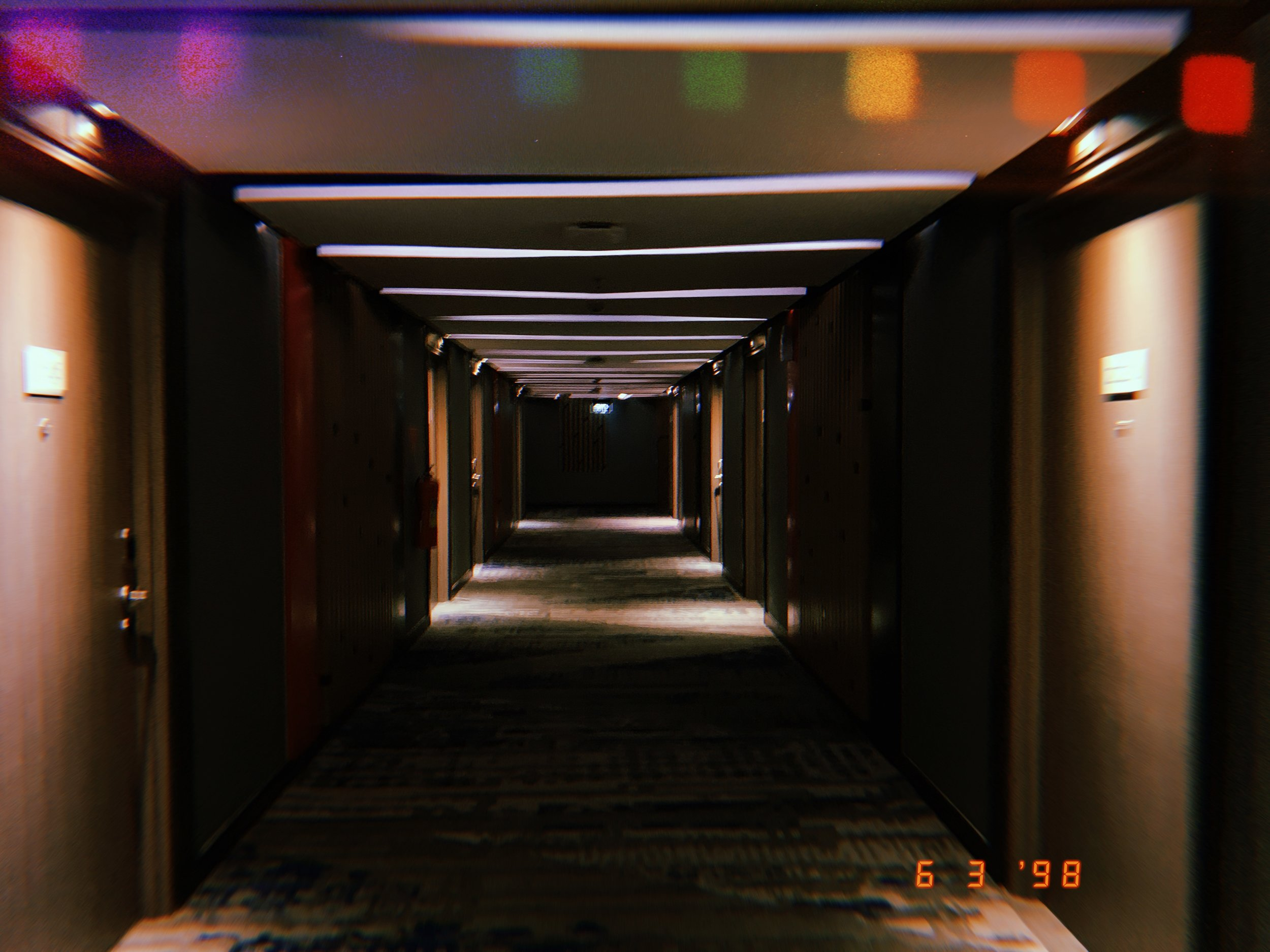 Hallway at Novotel Bali/Denpasar.. idk it felt nostalgic af & I like how this pic came out..