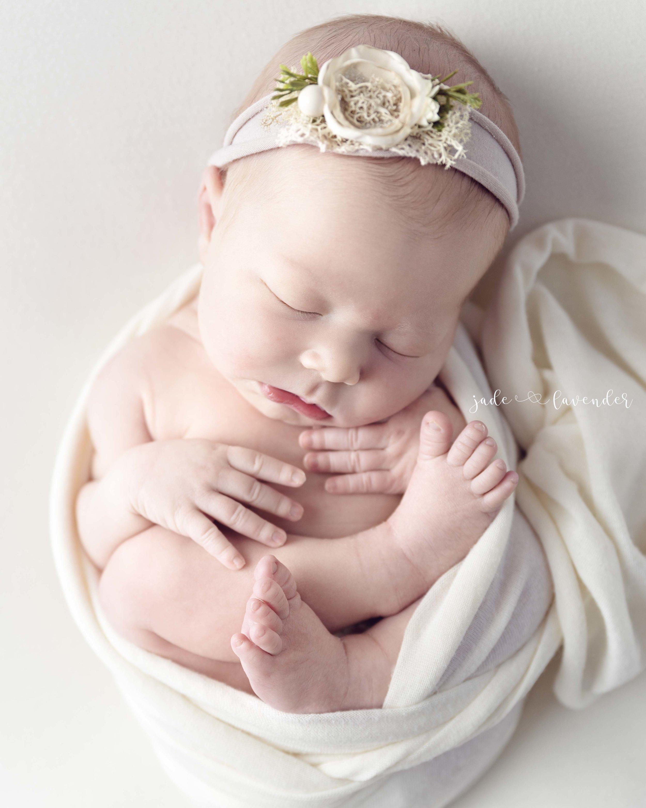 girl-infant-family-photography-baby-photo-studio-newborn-pictures-spokane-washington (1 of 8).jpg