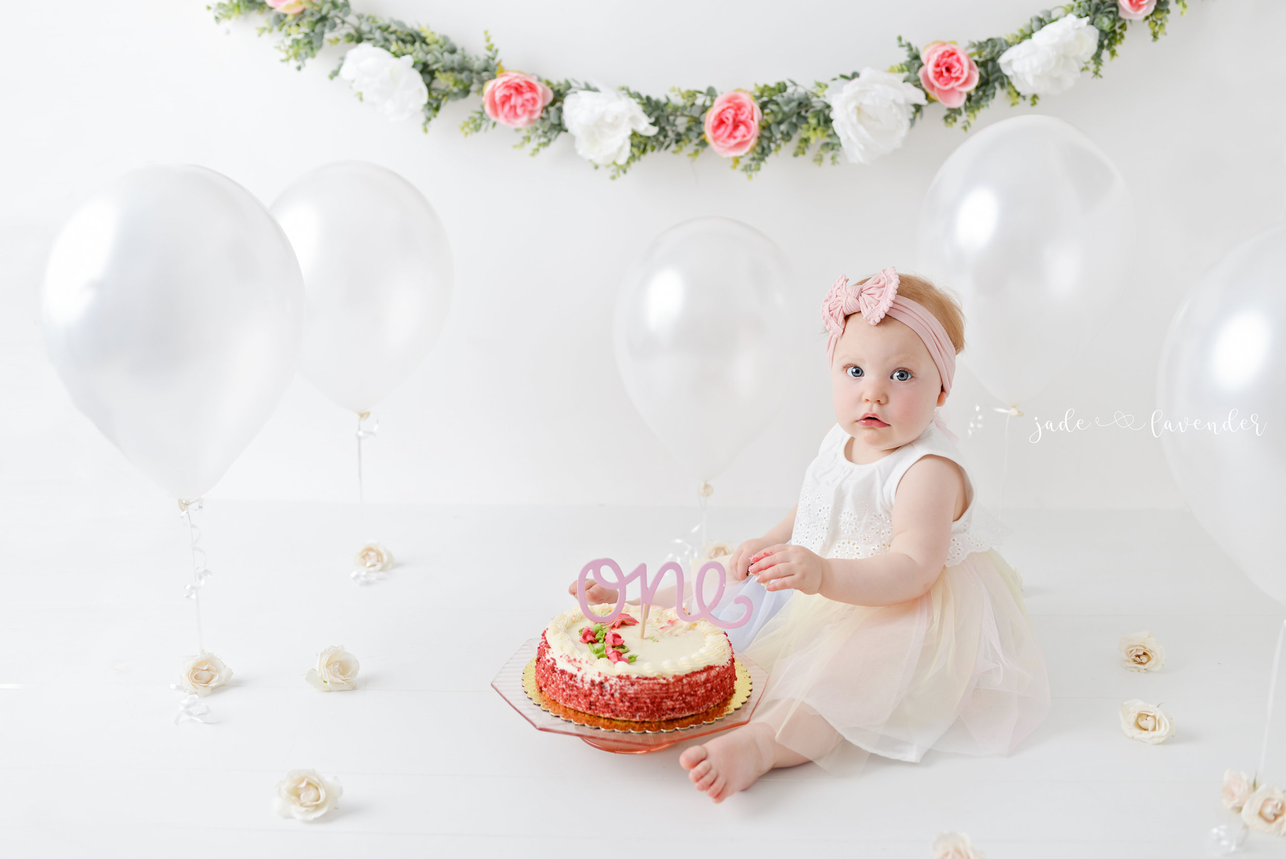cake-smash-one-year-photos-baby-photography-newborn-infant-images-spokane-washington (4 of 6).jpg