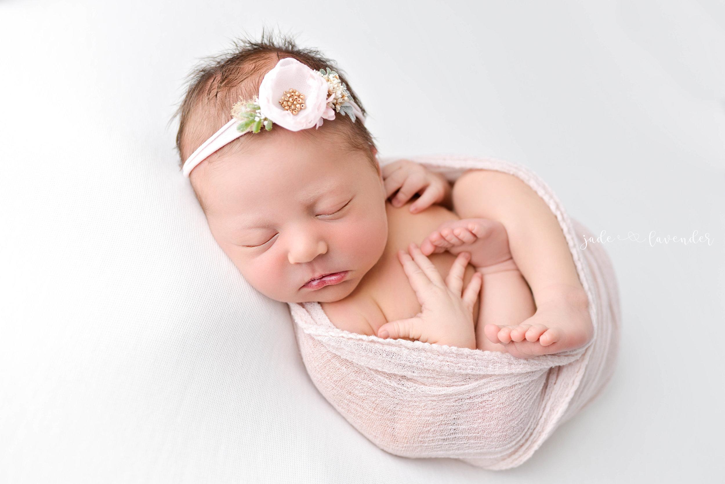 Baby-girl-pink-newborn-photography-infant-images-baby-photos-photographer-spokane-washington (1 of 8).jpg