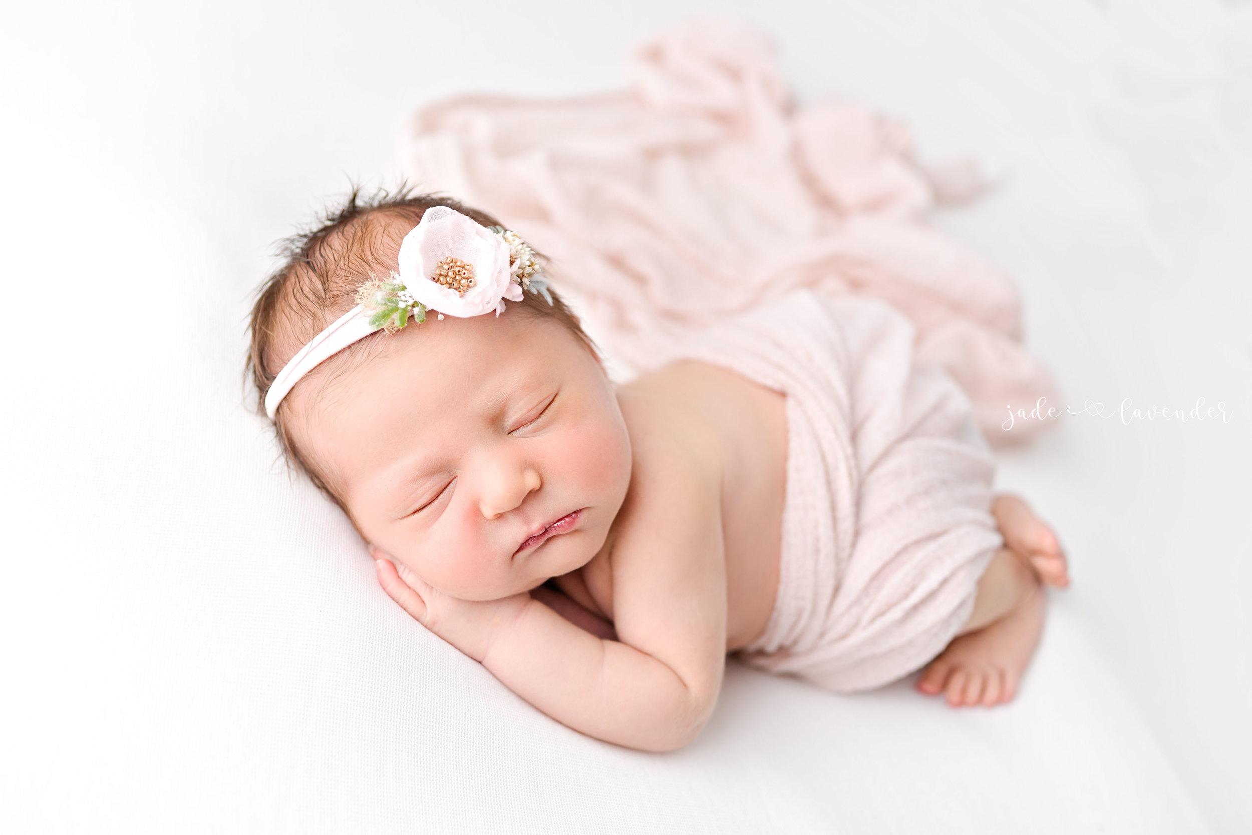 Baby-girl-pink-newborn-photography-infant-images-baby-photos-photographer-spokane-washington (2 of 8).jpg