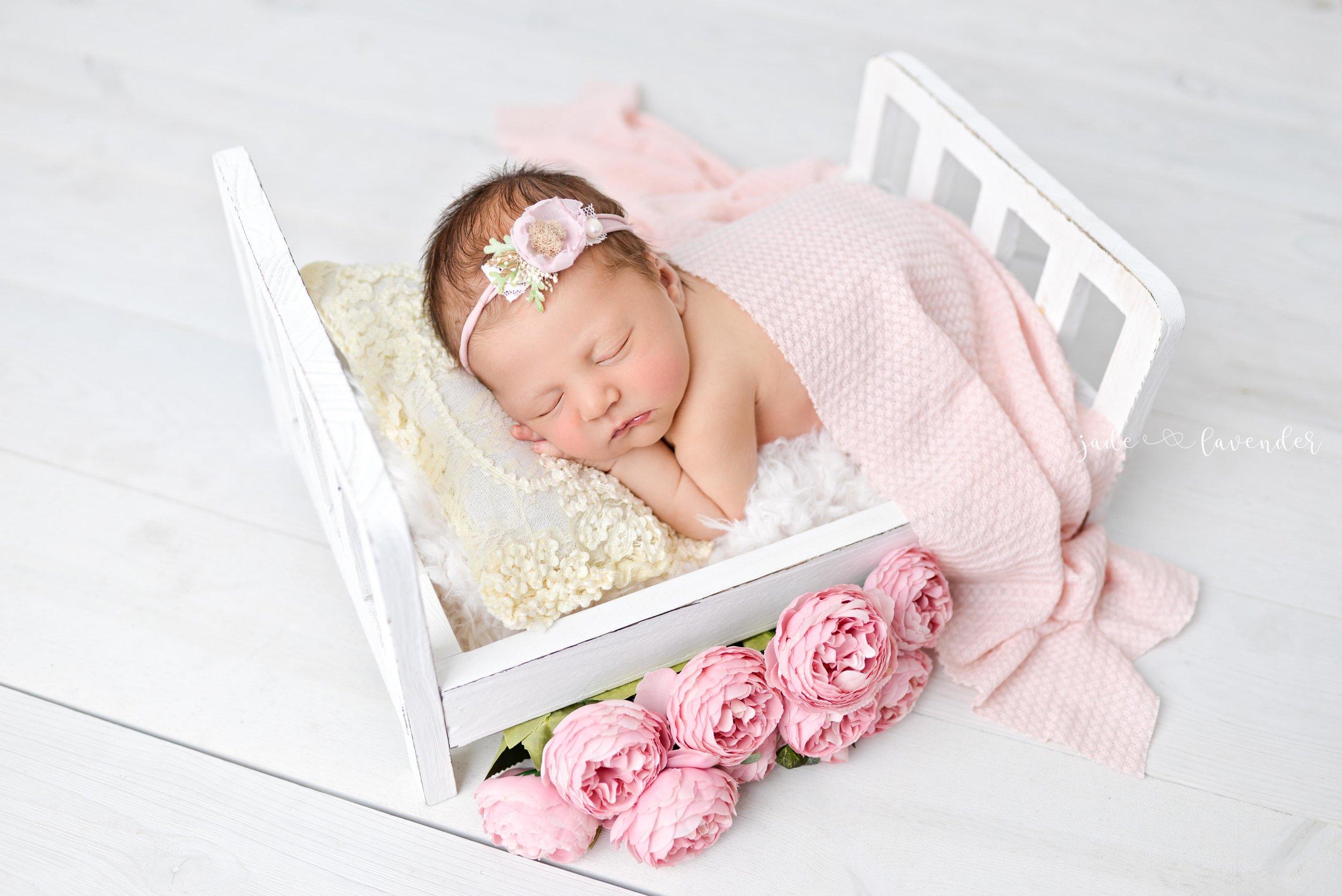 Baby-girl-pink-newborn-photography-infant-images-baby-photos-photographer-spokane-washington (7 of 8).jpg