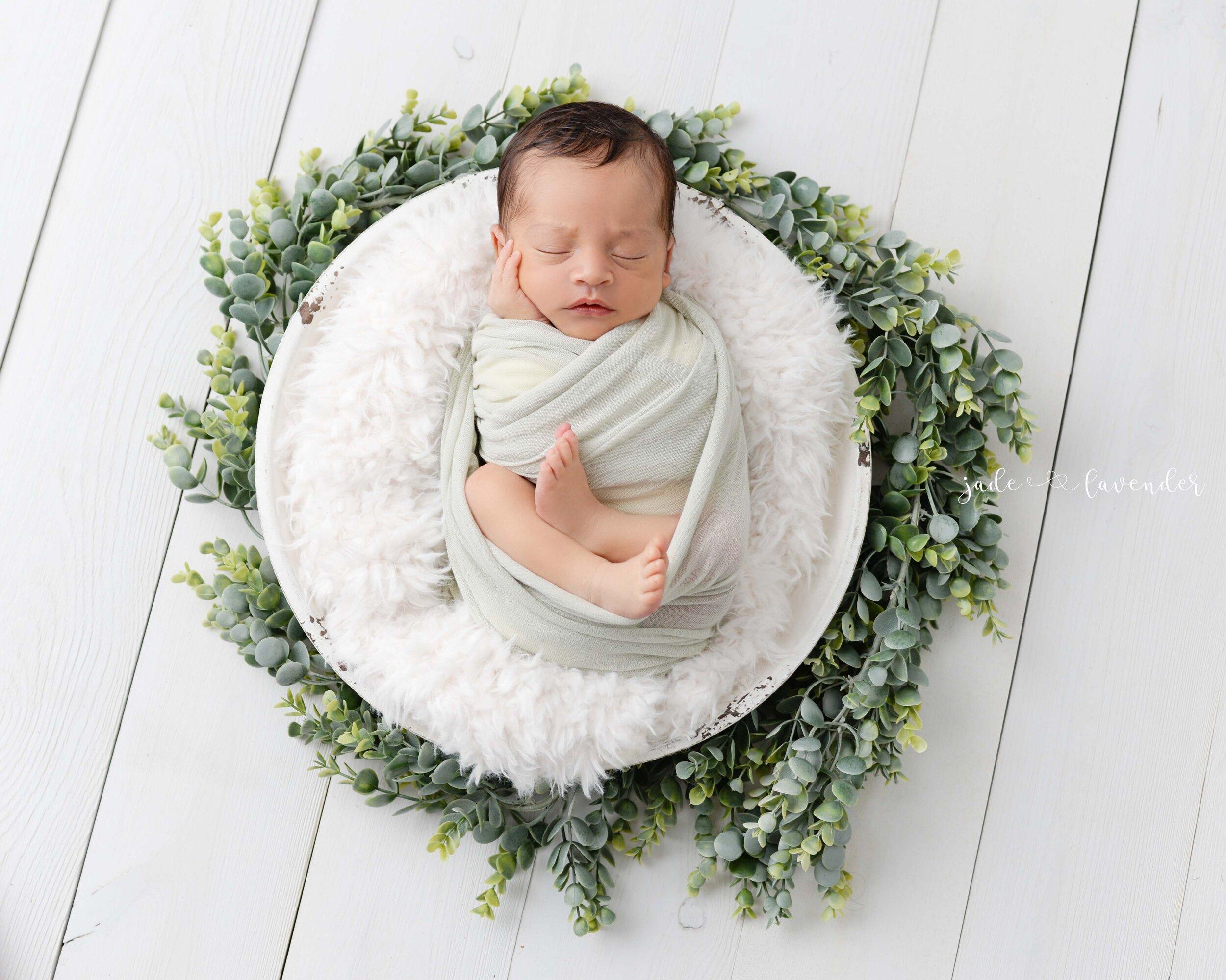 Newborn-family-photos-baby-images-infant-photography-spokane-washington (5 of 7).jpg