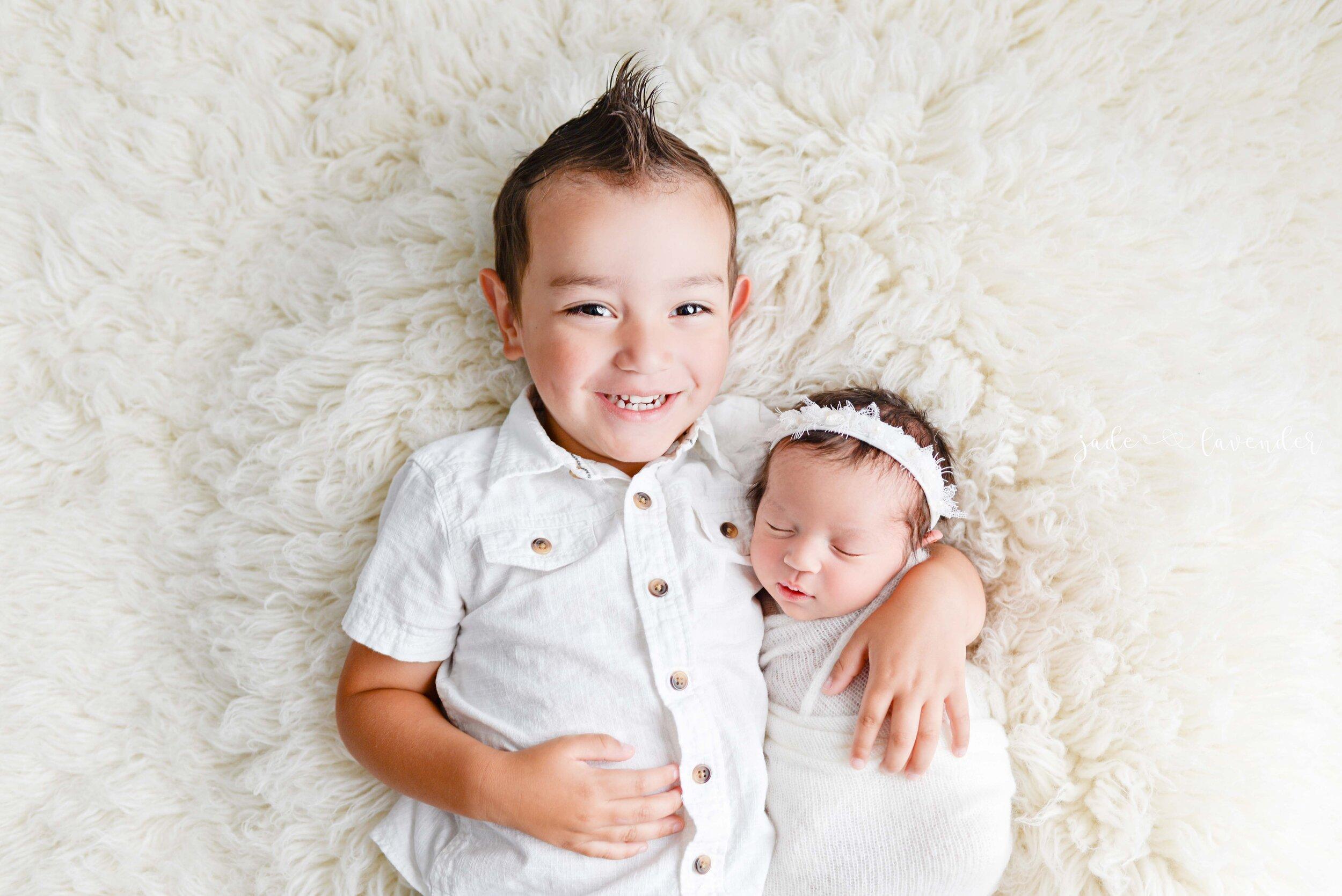 Newborn-images-baby-photography-infant-images-Newborn-photographer-spokane-washington-baby-girl (2 of 11).jpg