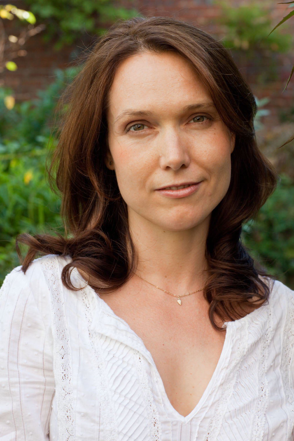 Samantha Story is an Acupuncturist and Breathwork Healer working in NYC and cofounder of Ritual Moon.