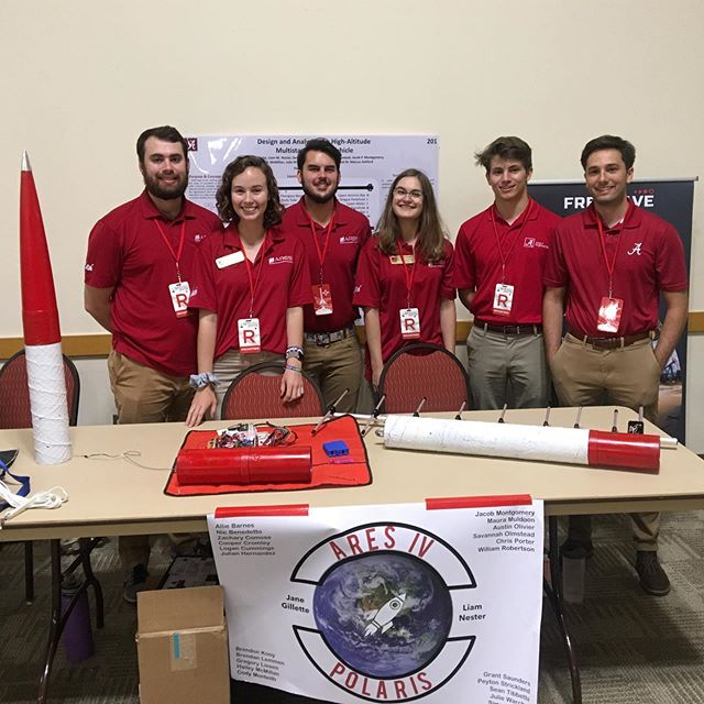 Our solids team spent #teamworktuesday presenting our multistage rocket at @spaceportamericacup ! We're having a great time building more complex systems each year, and the members of Polaris are looking forward to applying their knowledge for @base11stem next year! #b11spacechallenge @univofalabama #RollTide