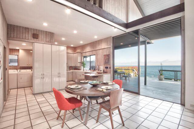 Malibu Rd. Fickett Dining _ Kitchen.jpg