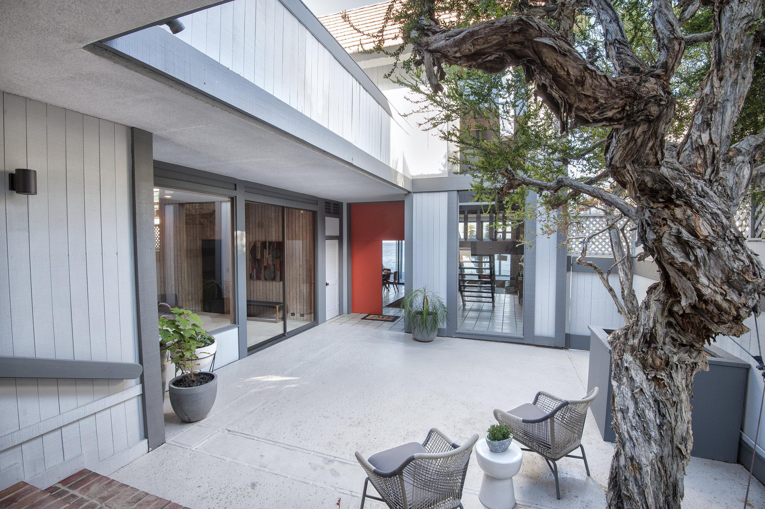 Malibu Fickett Courtyard..jpg
