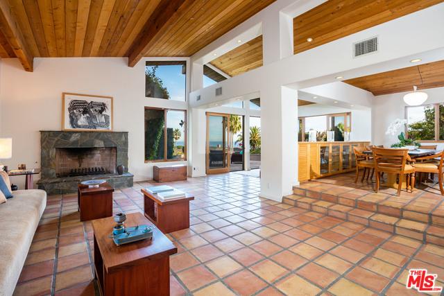 Malibu Country Estates Living Room..jpg