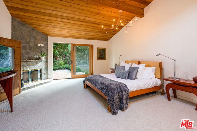 Malibu Country Estates Master.jpg