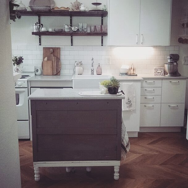 small kitchen.jpg