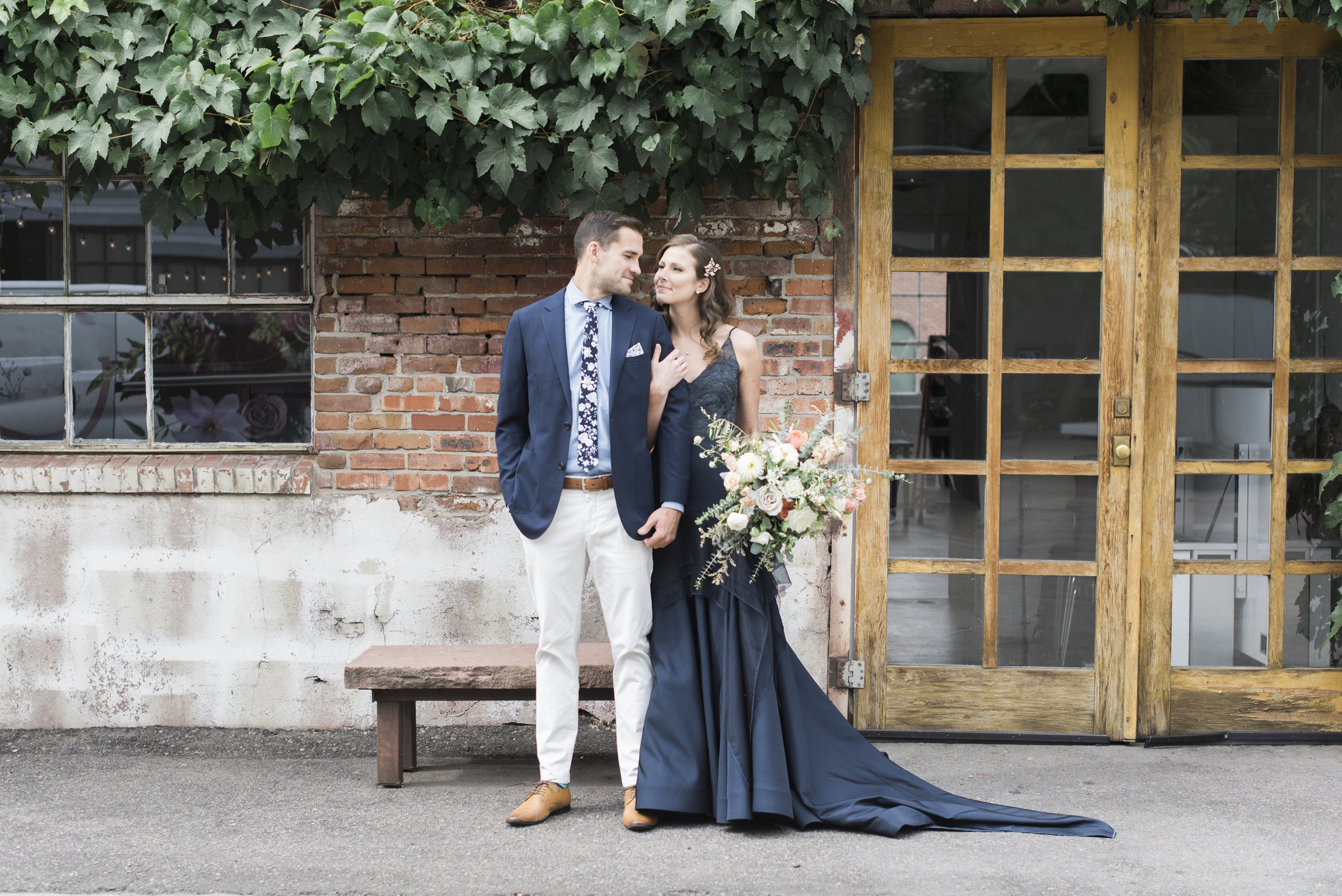 navy-Wedding-Dress-Martha-Stewart47.jpg