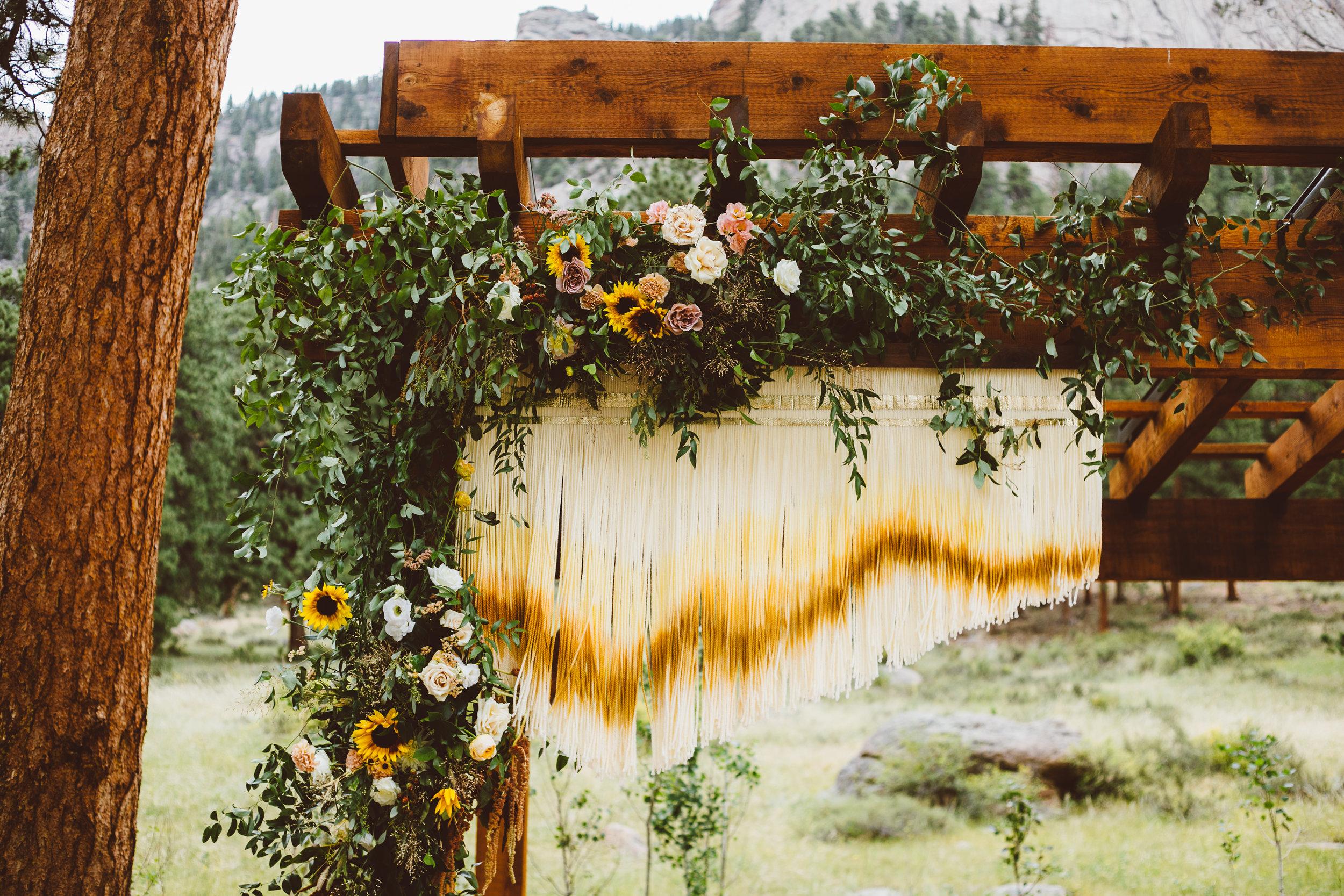mountain-wedding-planner-designer-installation-artist15.jpg
