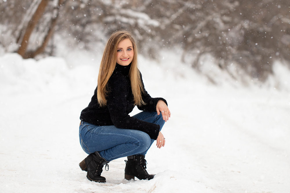 senior-portrait-in-the-winter.jpg