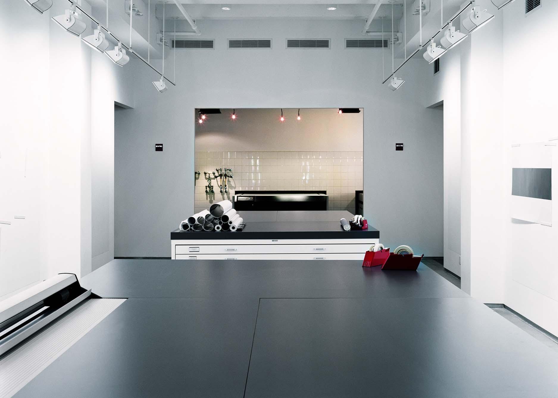 INTERNSHIP - exhibition department assistant, Box studio, New york, 2012