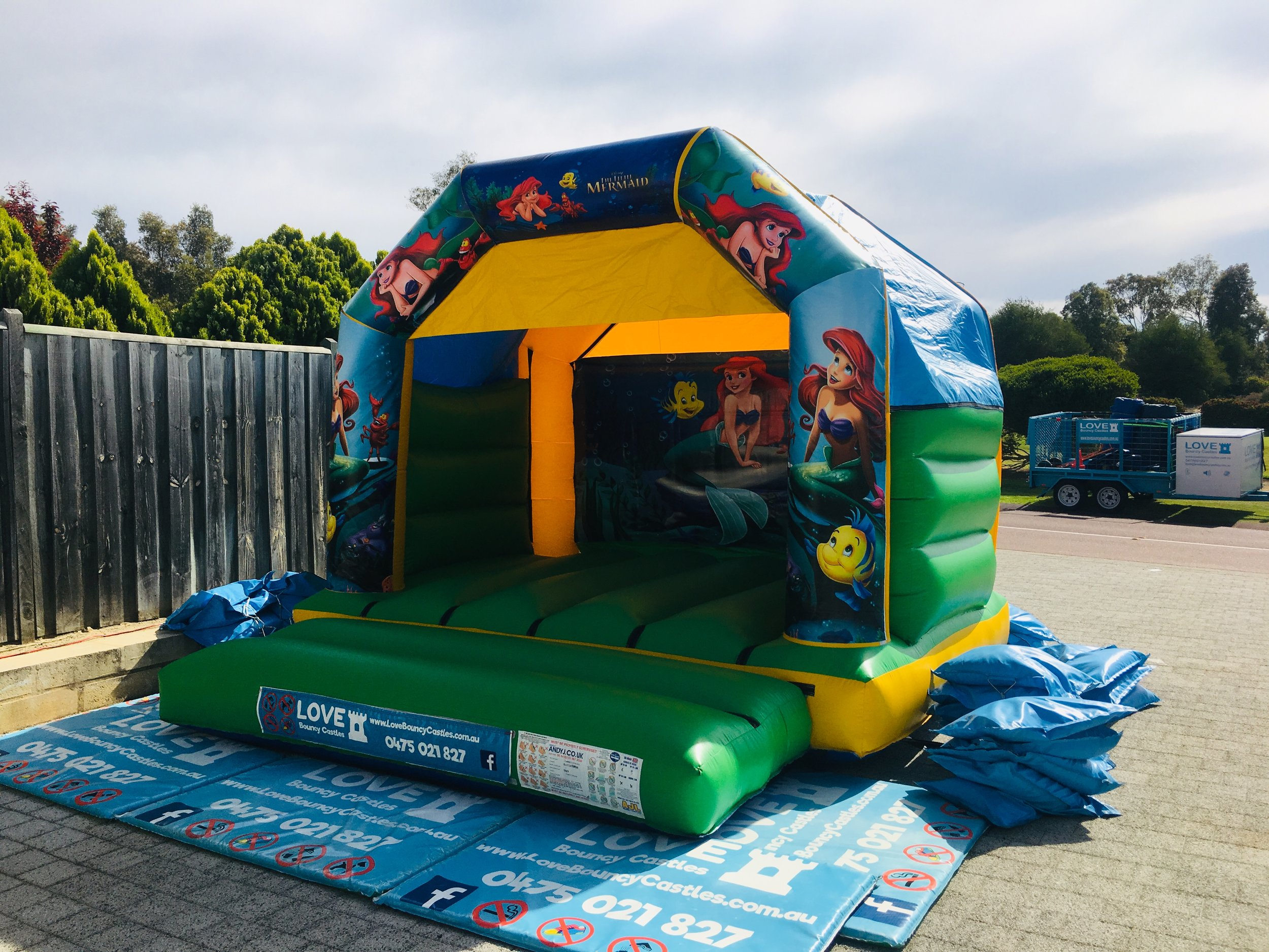 1000kg of weight is required when placing a bouncy castle on concrete. Baldivis based bouncy castle hire company