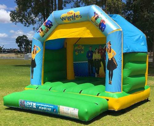 Bouncy Castle Hire Rockingham - Find out more about our Rockingham bouncy castle hire