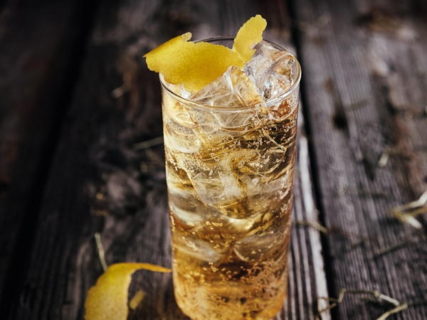 One of the true classic cocktails. Seagram's 7 Crown and lemon lime soda. Now that's a 7&7.  RECIPE: 50 ml Seagram's 7 Crown Blended Whisky & 100ml Lemon lime soda  PREPARATION: (1) Fill a glass with ice, (2) Pour in the Seagram's 7 Crown Blended Whisky, (3) Top off with the lemon-lime soda, (4) Garnish with lemon slices.