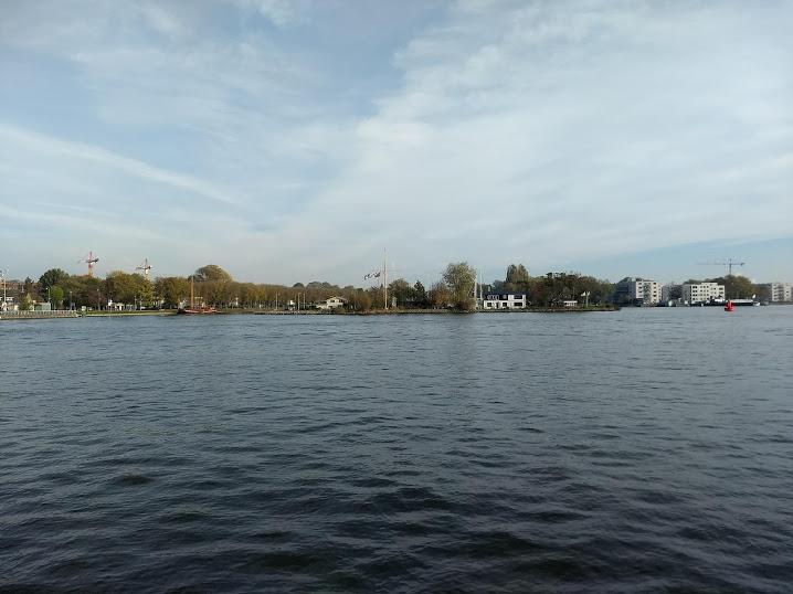 Goed te doen op en neer Apeldoorn- Amsterdam