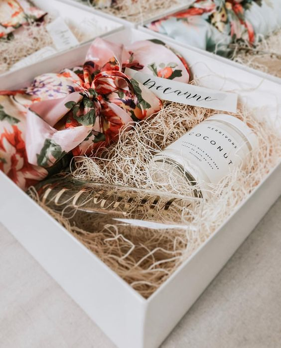 bridesmaid proposal box idea 5.jpg