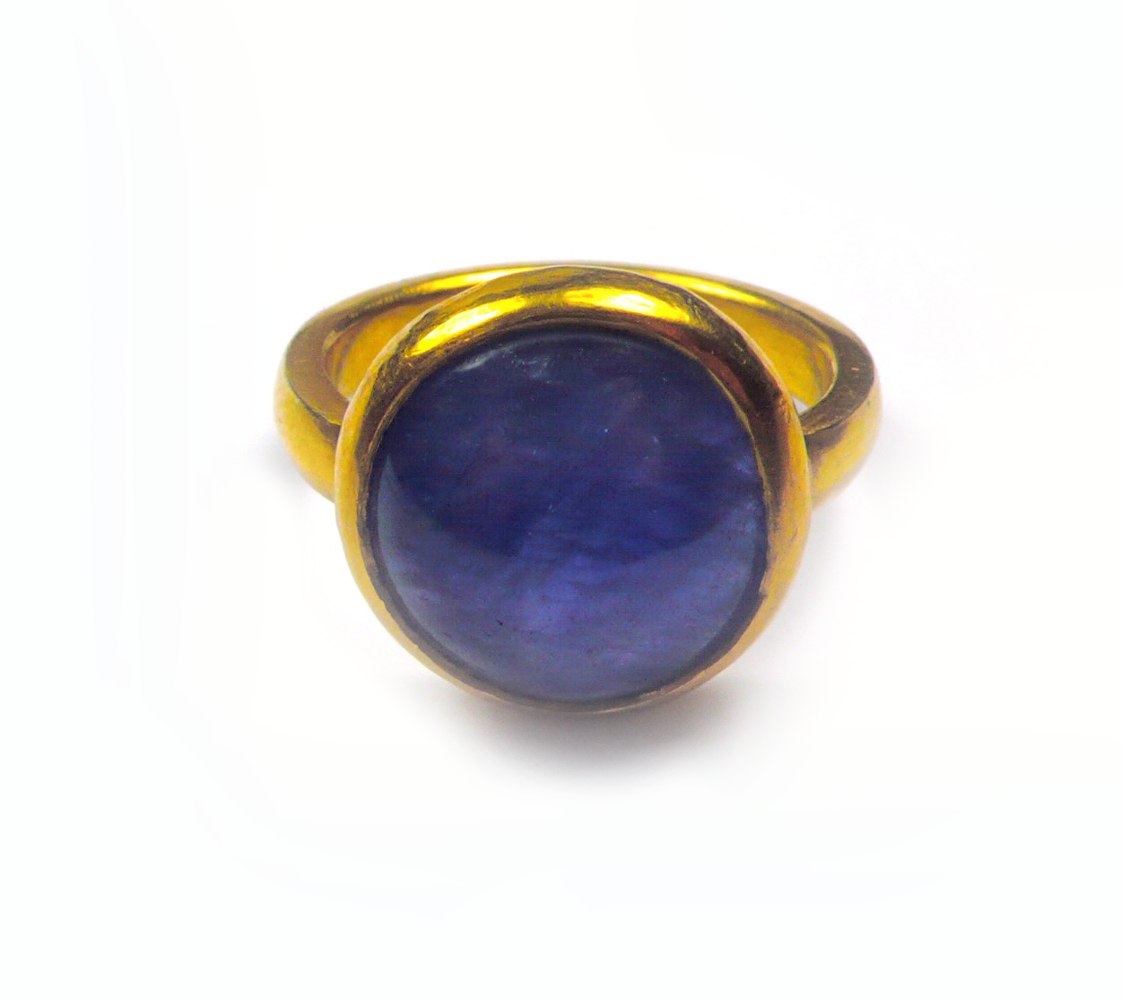 sapphire gold ring .png