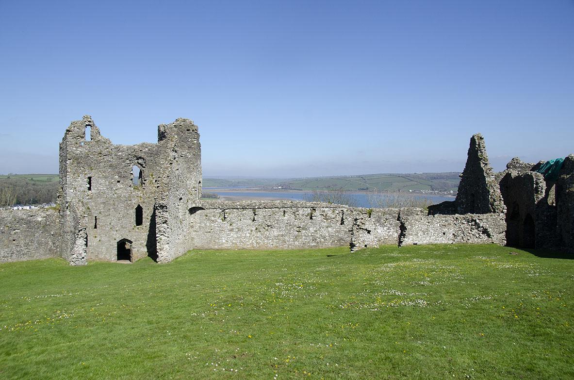 Llansephan castle2wb.jpg